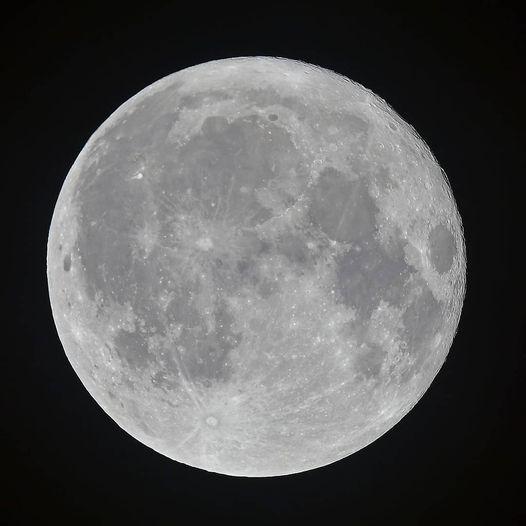 Lune, Yoga et Ayurveda